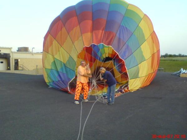 Not so easy to fold a air balloon