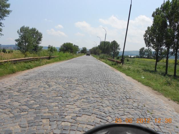 Veien ned til fergeleiet mellom Romania og Bulgaria