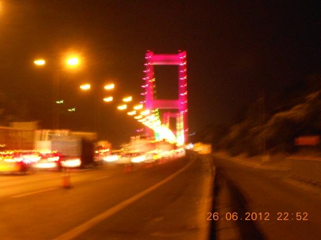 Broen over fra Europeisk til Asiatisk Tyrkia, Istanbul