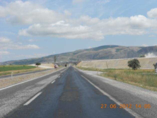 Regnet har for håpentligvis vasket vekk oljen på asfalten