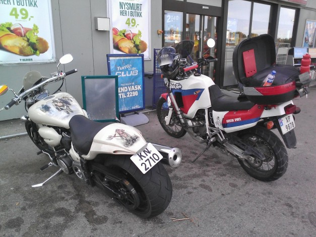Yamaha RoadStar XV1700 Warrior and Honda 750 Africa twin