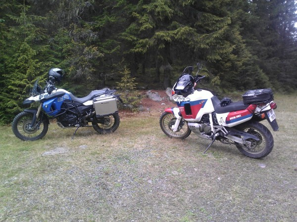 BMW F800GS Trophy og Honda 750 Africa Twin