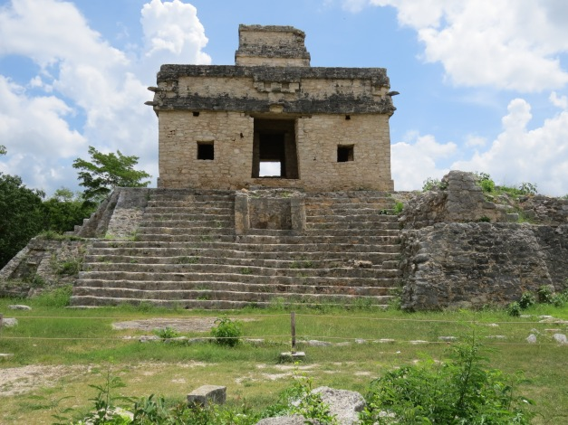 Dzibilchaltun, Temple Of The Seven Dolls (Templo de las Siete Muñecas)