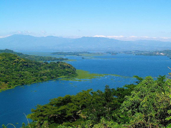 Lake Suchitlan, Suchitot El Salvador