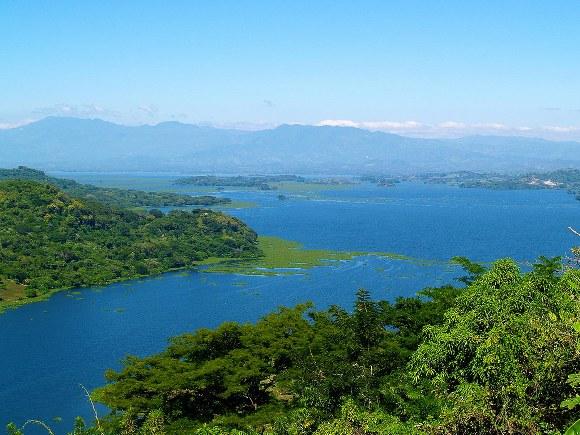 Lake Suchitlan, Suchitot El Salvador