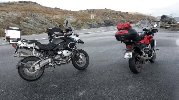 Honda 800 Crossrunner og BMW R1200GSA